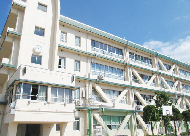 茨木市立平田中学校南棟校舎外壁...